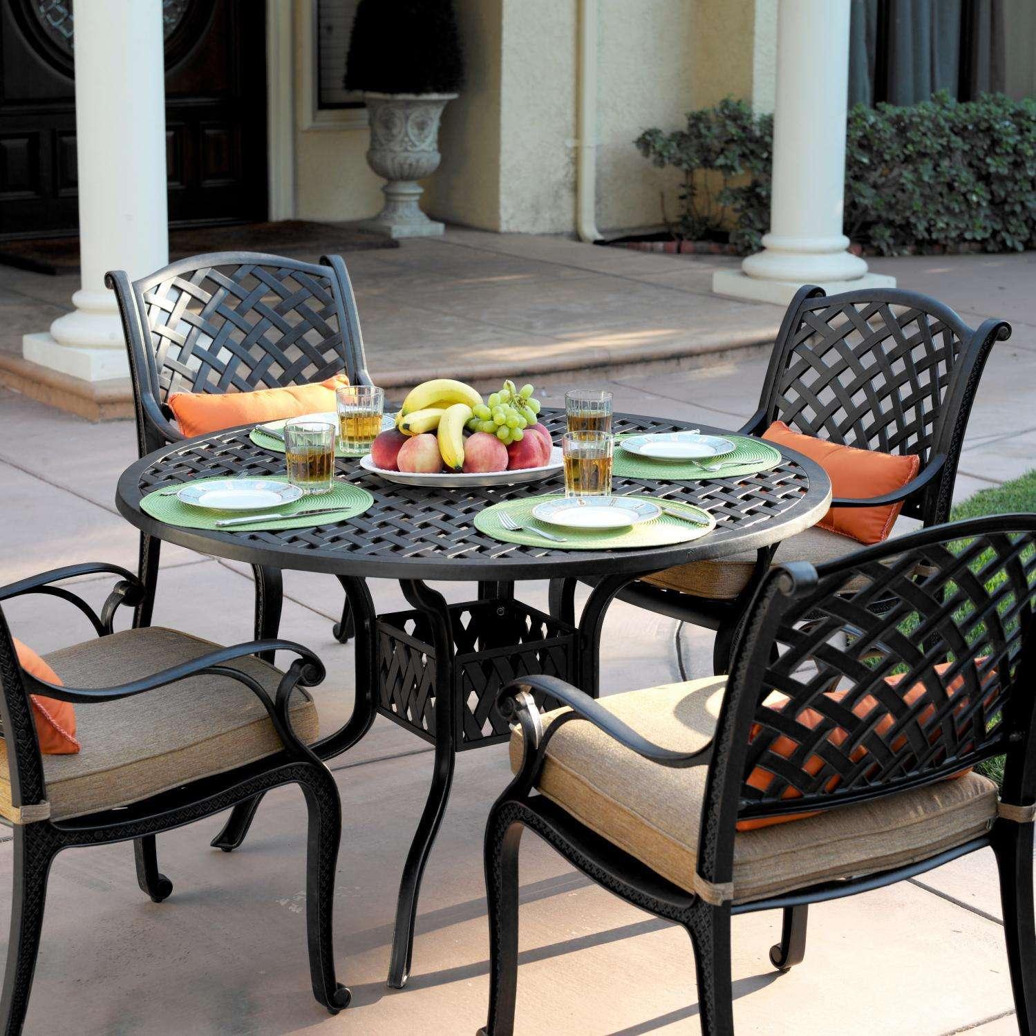Darlee Nassau 5 Piece Dining Set With Round Table