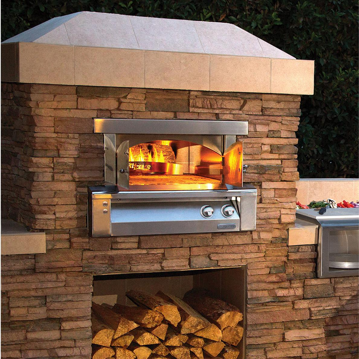 Alfresco 30-Inch Built-In Propane Gas Outdoor Pizza Oven